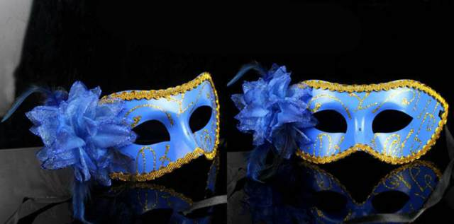 modelo máscara carnaval color azul pluma