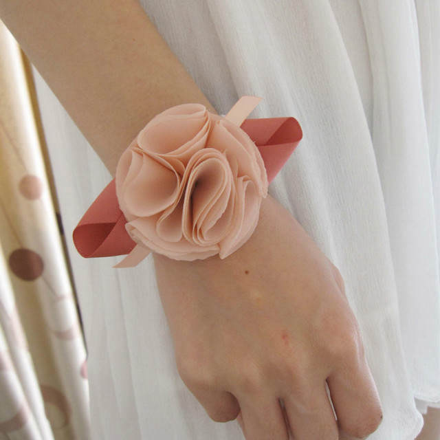 ojal de boda diferente flor artificial