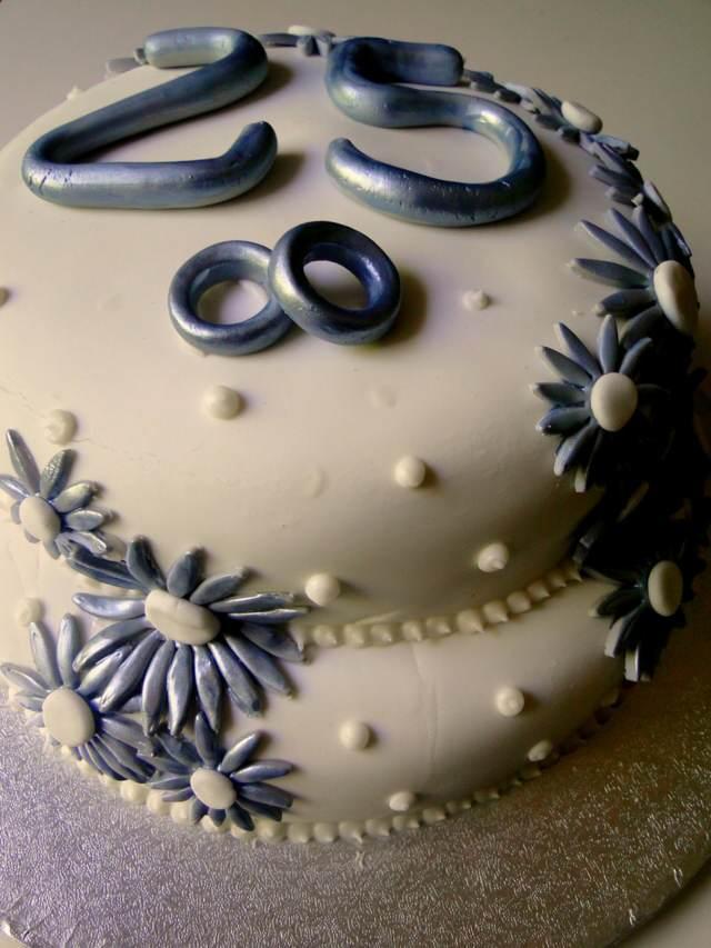 pastel precioso aniversario boda de plata
