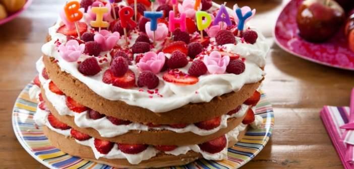 pastel-frutas-feliz-cumpleanos-mensaje