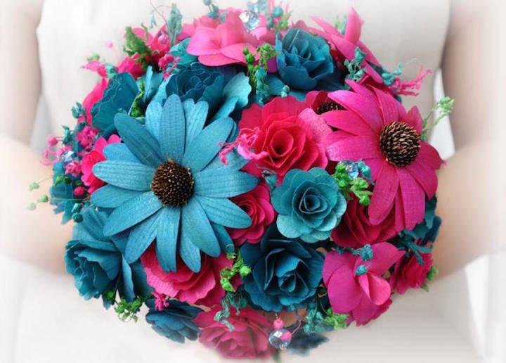 magnífico ramo de flores rosas azules