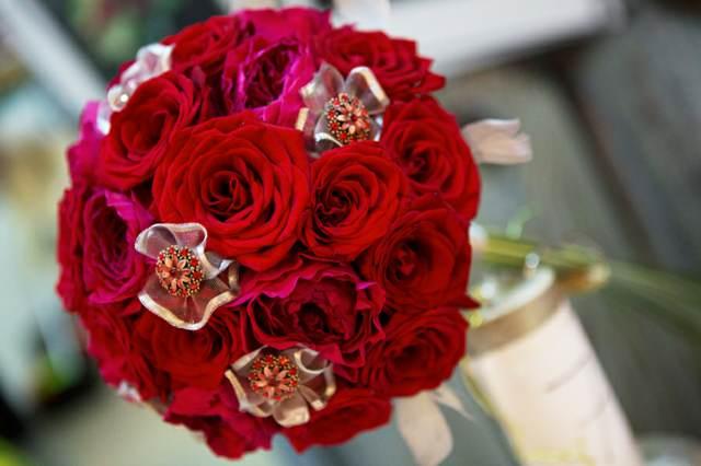 ramo rojo rosas maavillosas boda decoración