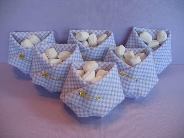 recuerdos bautizo pañales llenos pequeños dulces