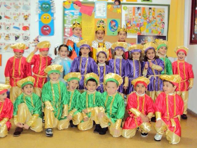reyes magos fiesta temática niños celebración disfraces