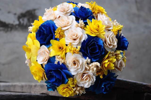 rosas azules combinación color crema amarillo moderno
