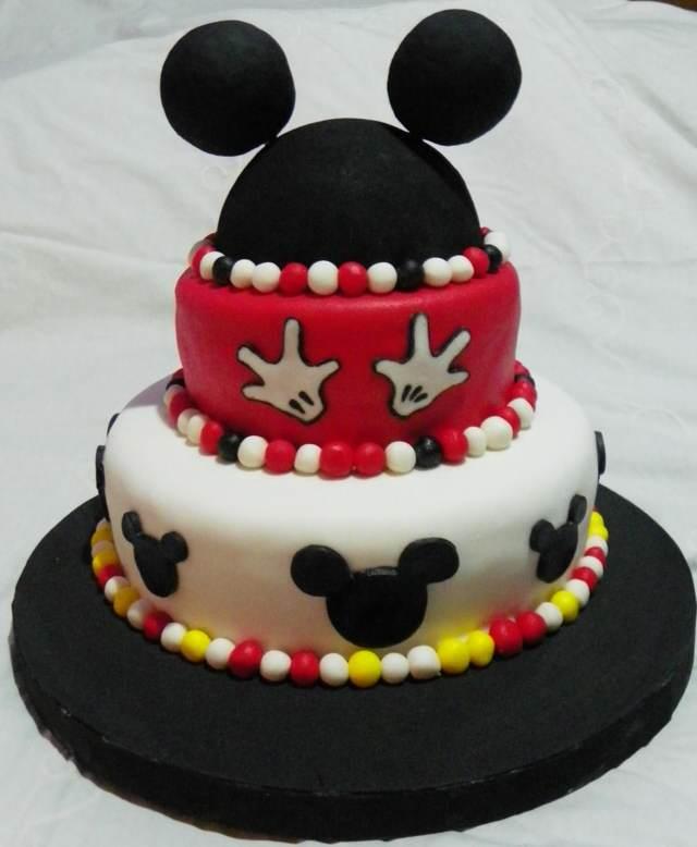 tortas infantiles preciosas colores blanco negro rojo