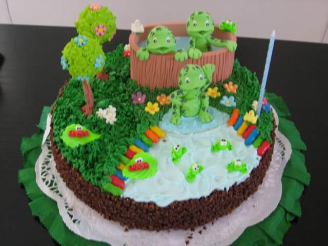tortas infantiles colores verde blanco decoración