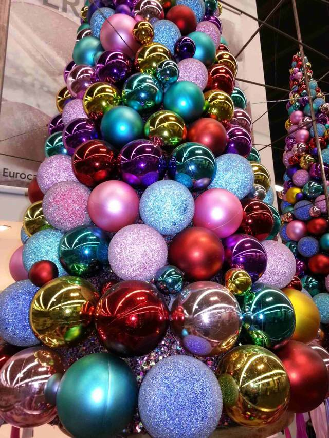 Ideas maravillosas para decoraci n de rboles de navidad - Arbol de navidad de bolas ...