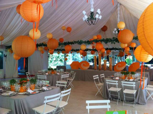 arreglos globos ideas decoración color naranja fiesta corporativa