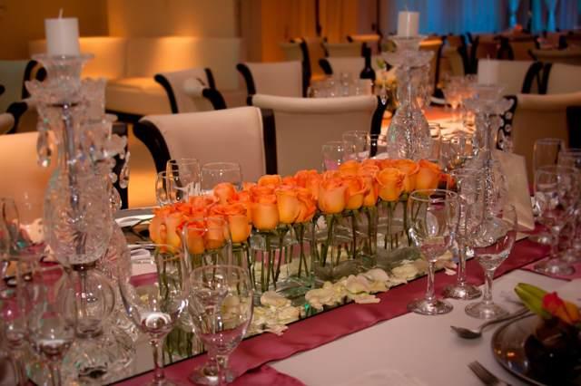 arreglos de mesa para boda rosas color naranja ideas decoración