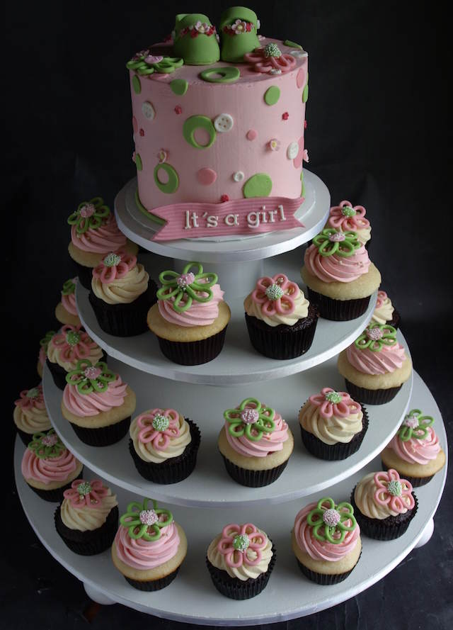 baby shower cupcakes combinación pastel decoración preciosa