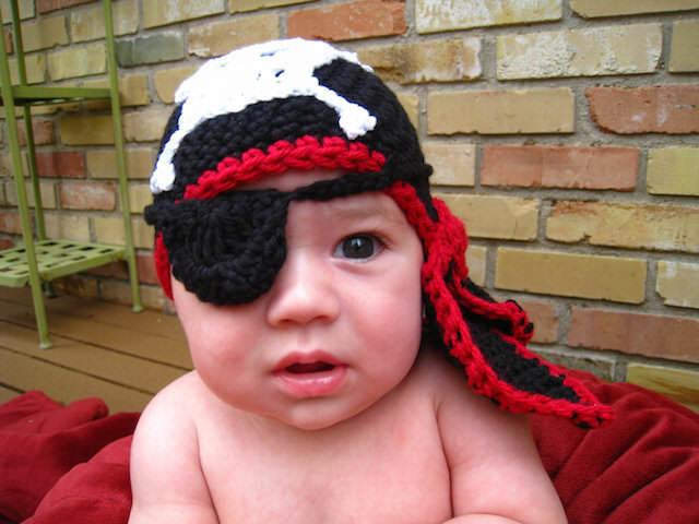 bebé vestido disfraz de pirata