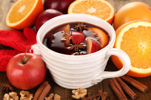 bebida día de epifania ponche de frutas precioso