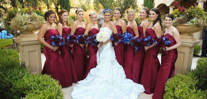 boda-decoracion-color-marsala-combinacion-azul
