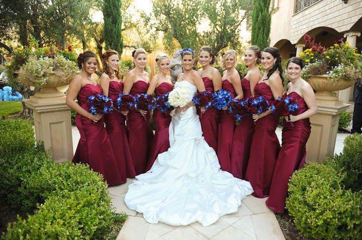 boda decoración marsala combinación azul