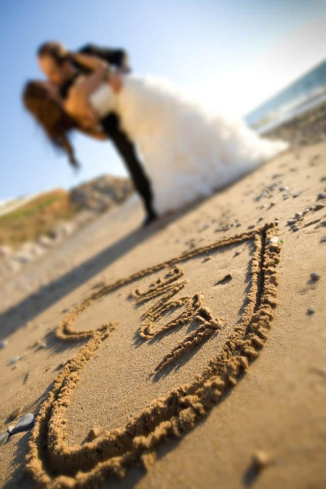 bodas en la playa corazón letrero love amor