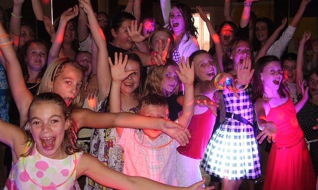 canciones infantiles modernas fiesta