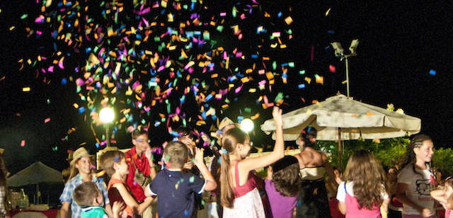 celebración exuberante evento canciones infantiles