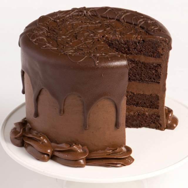 bizcocho de chocolate negro menú fiesta cumpleaños