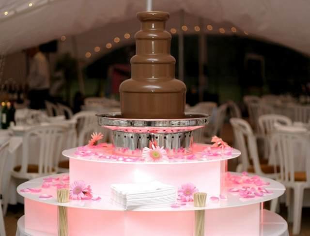 fuente de chocolate precioso evento corporativo postre fantástico