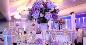 color-lila-decoracion-evento-oficial-flores