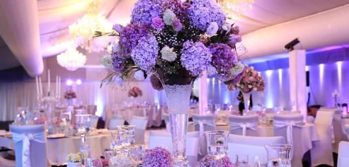 color-lila-decoracion-evento-oficial-flores