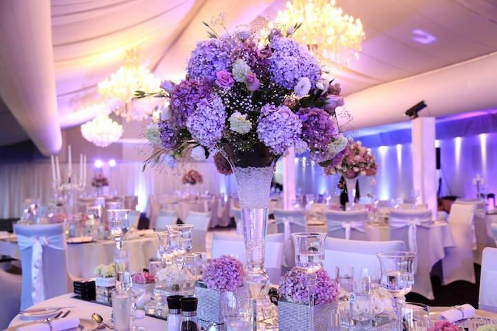 color lila decoración tierna evento oficial flores
