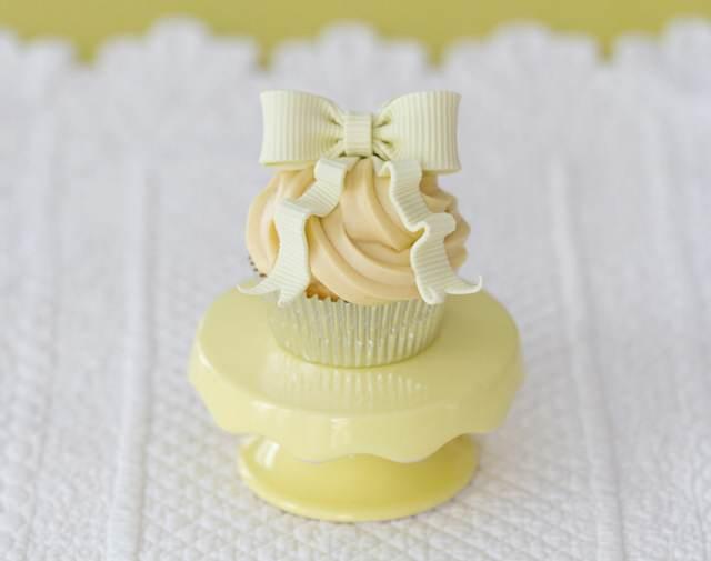cupcake chocolate decoración evento blanco