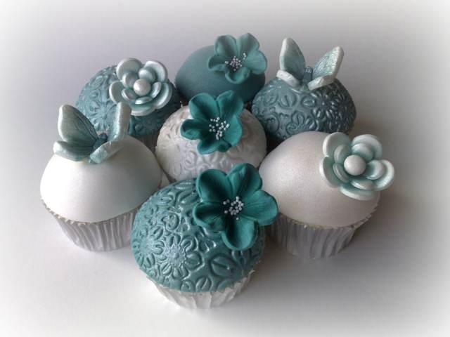 cupcakes blanco aguamarina decoración moderna bodas 2015