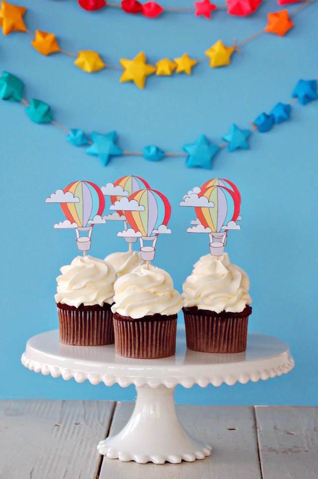 cupcakes temáticos globos de aire caliente decoración