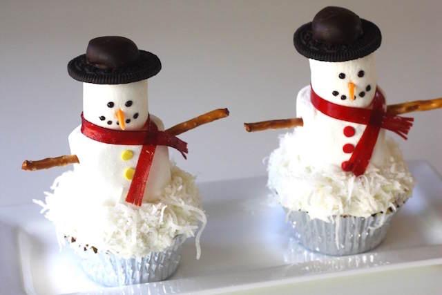 cupcakes temáticos invierno estupendos muñecos de nieve