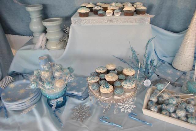 decoración comida temática color blanco azul