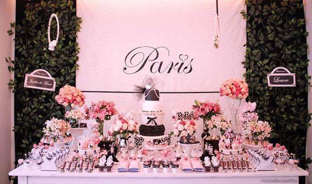 decoración de cumpleaños temática color rosa bebé Paris