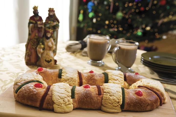 decoración magnífica día de Reyes rosca de Reyes