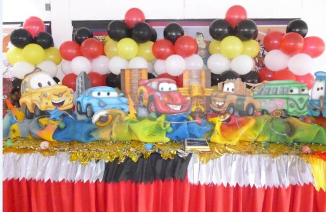 decoración de globos mesas fiestas infantiles ideas divertidas
