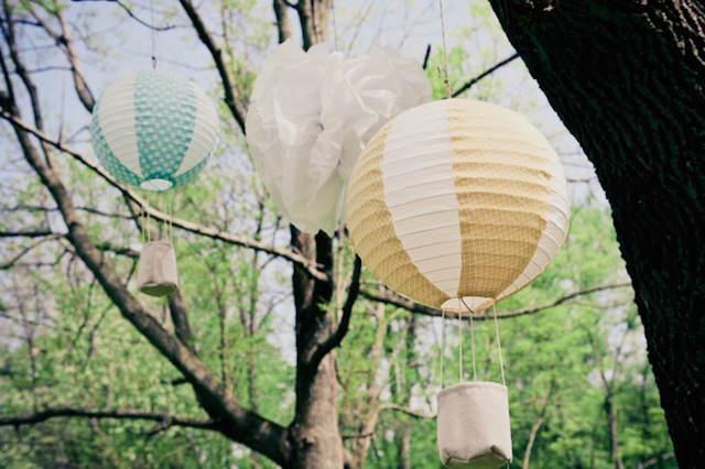 decoración árboles globos de aire fiesta