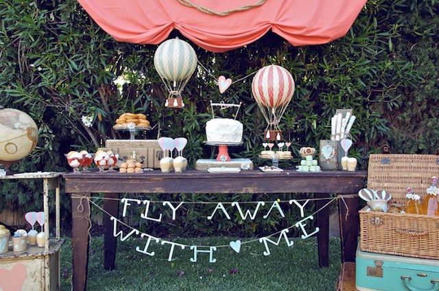 preciosa decoración para cumpleaños al aire libre globos