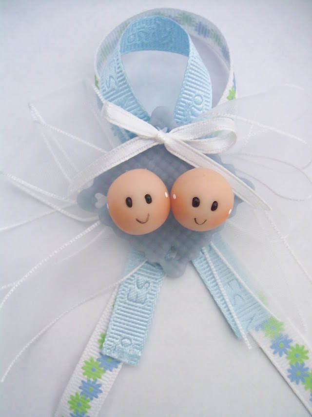 distintivos para baby shower preciosos gemelos