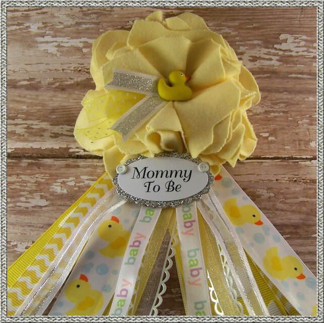 distintivos para baby shower patitos amarillos