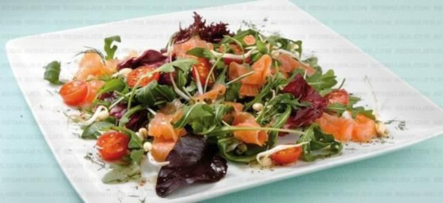 ensaladas fáciles rucula salmón receta saludable