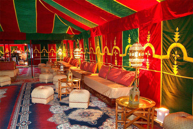 Elegante decoraci n de fiestas corporativas for Aladdin indian cuisine
