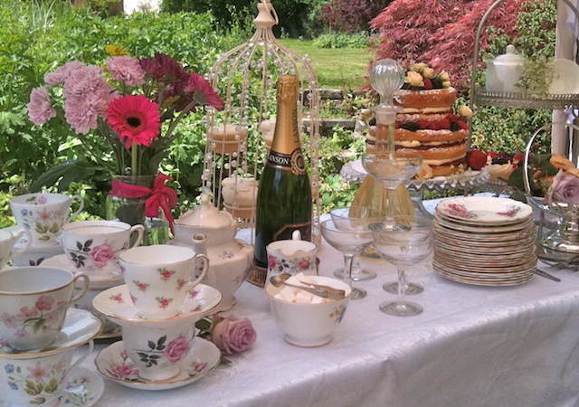 estilo vintage combinación flores decoración mesa catering