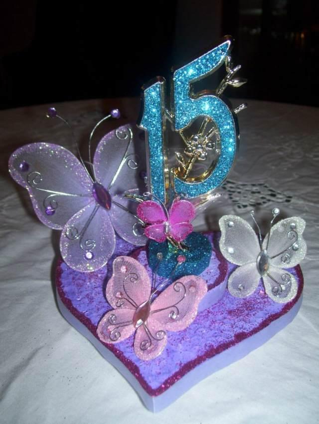 fiesta 15 años centros mesa decoración bonita mariposas