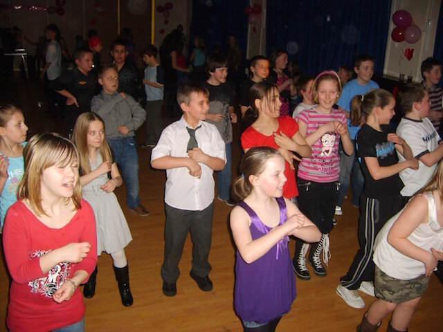 fiesta infantil bailes divertidos canciones modernas