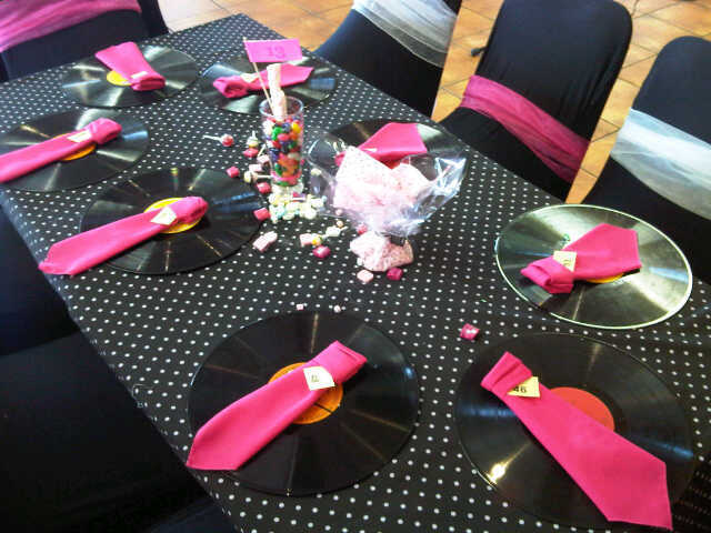 ideas para decorar diferentes despedida de soltero rosa