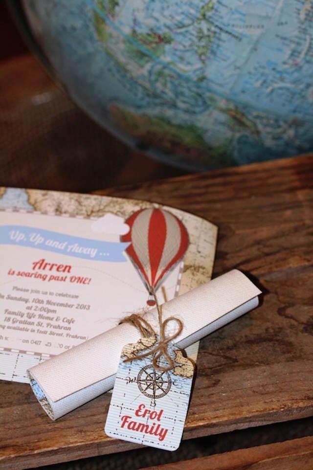 invitación temática cumpleaños tema globos de aire