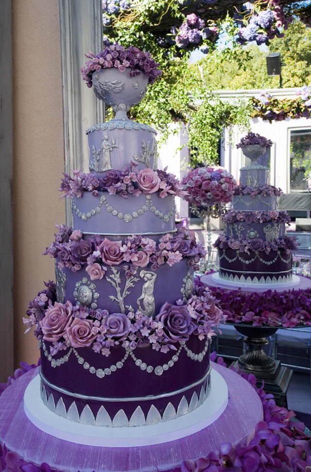 estupenda decoración de pasteles color púrpura