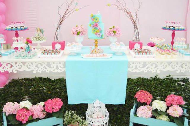 magnífica decoración estilo vintage flores colores rosa azul