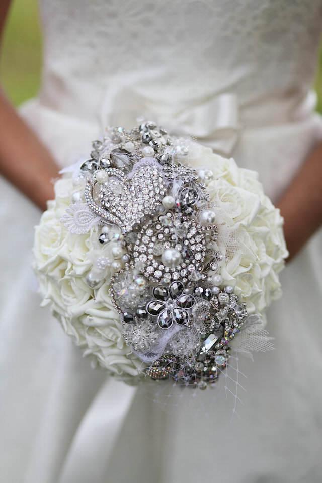 magnífico ramo de rosas blancas decoración brillante