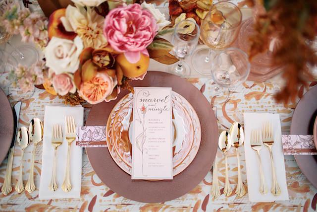 marsala decoración de mesa color año